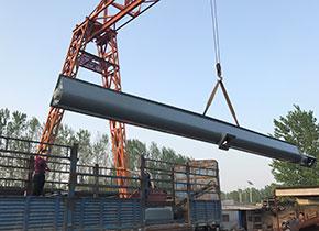 津锐刚过完2018年的春节,就往宁夏客户出货2条U形螺旋输送机,长度为7米,直径为400mm,输送物料为:矿粉;现拍的装车发货照片。